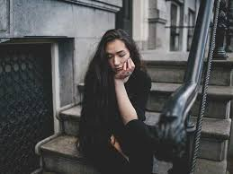 Symptoms of Depression in Women: Types and Causes