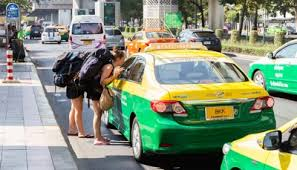 Getting Around Bangkok - A Guide to Taxis, Buses, Trains and Mobile Apps -  BEAT HOTEL