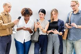 adults-casual-cellphone-1413653 - Study Finds