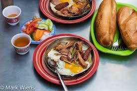 The Best Breakfast I Ate in Vietnam - Banh Mi Hoa Ma